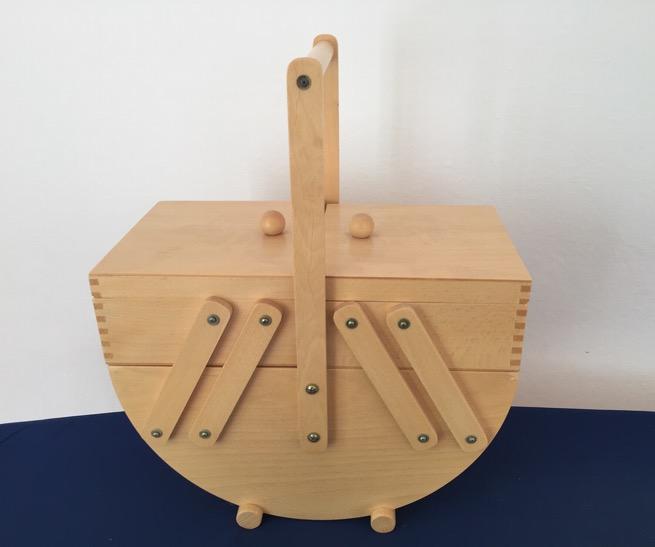 Nähkasten aus hellem Holz – 60€ statt 120€